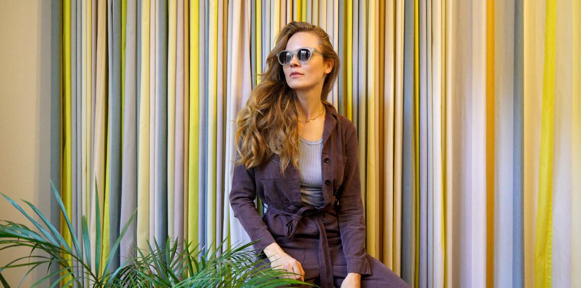 Leonie auf einem Foto von David Mühlfeld auf dem #letswearfair Photo Walk