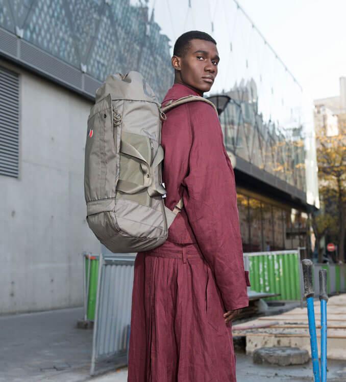 Mann mit Rucksack Blok von pinqponq